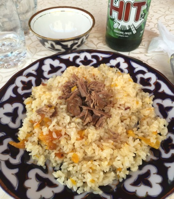 Plato de Plov en el restaurante Mirza Bashi